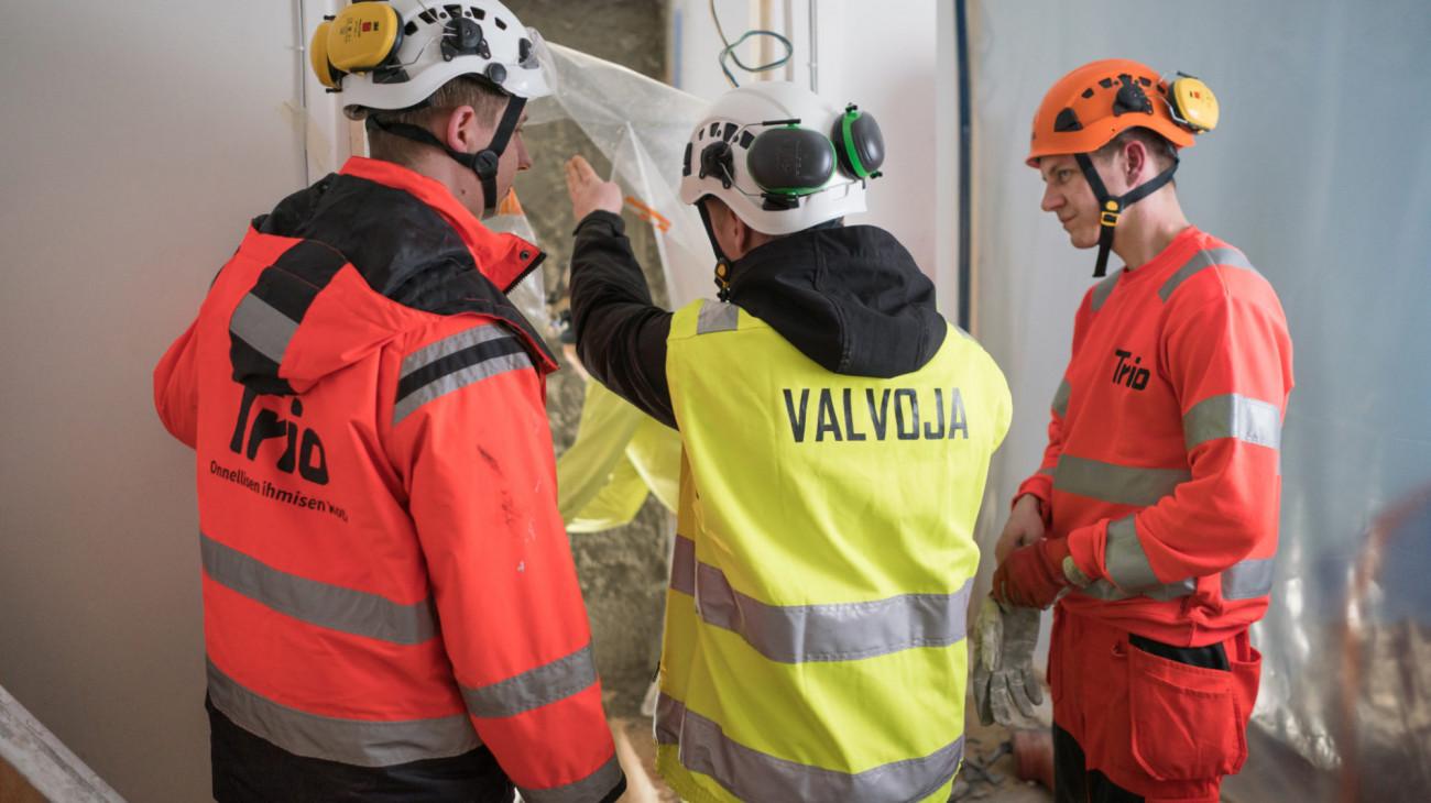 Korjausrakentaminen ja koko kiinteistön uudistaminen ovat parasta osaamistamme. LVI-Trio 30 vuotta korjausrakentamista.